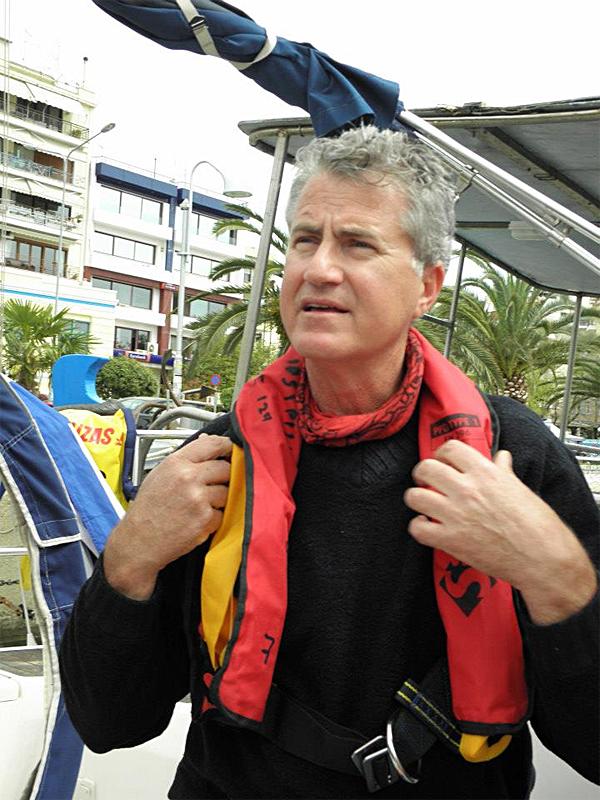Гърция-Кавала-обучение на килова яхта-спасителна жилетка