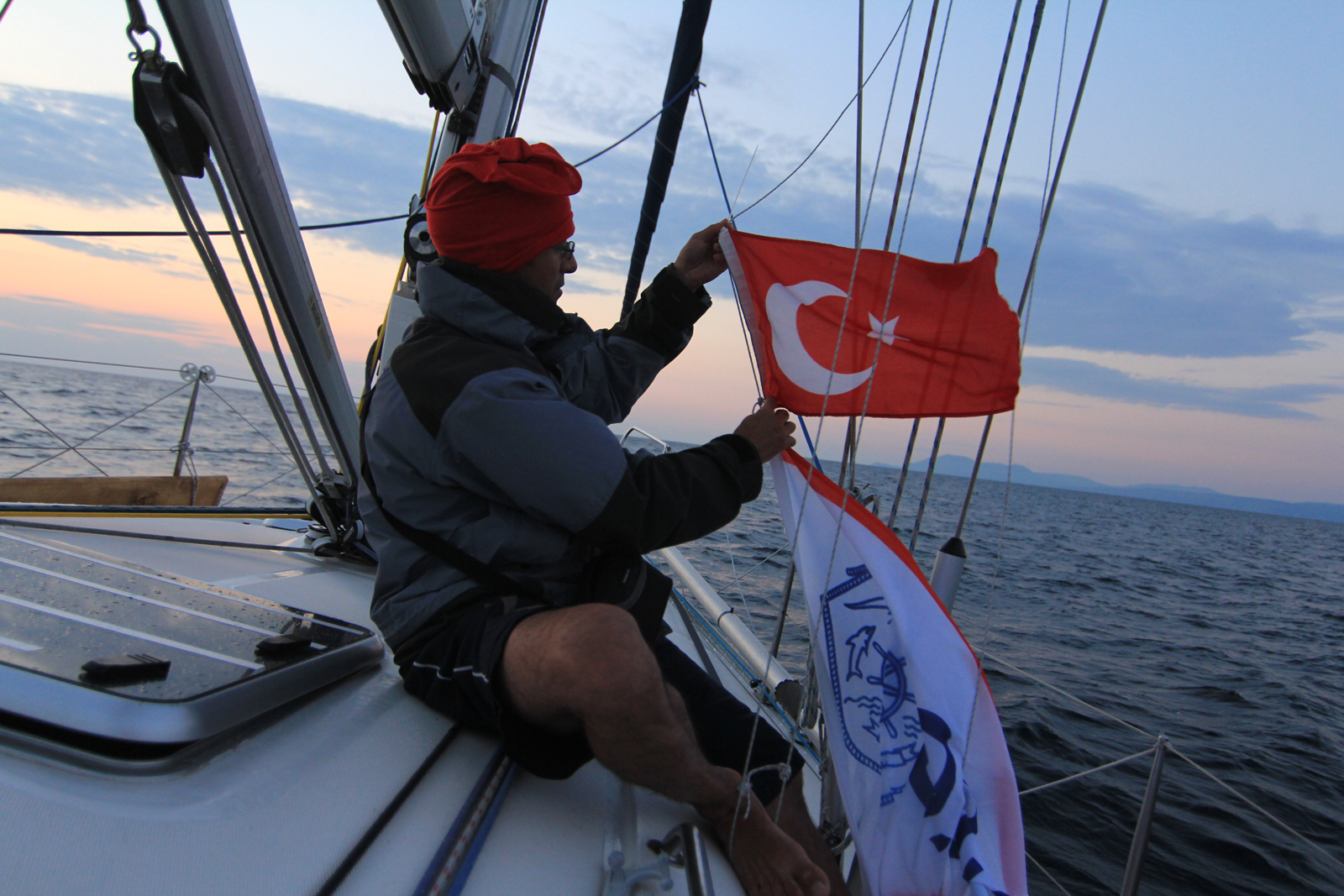 Плаване през Босфора и Дарданелите