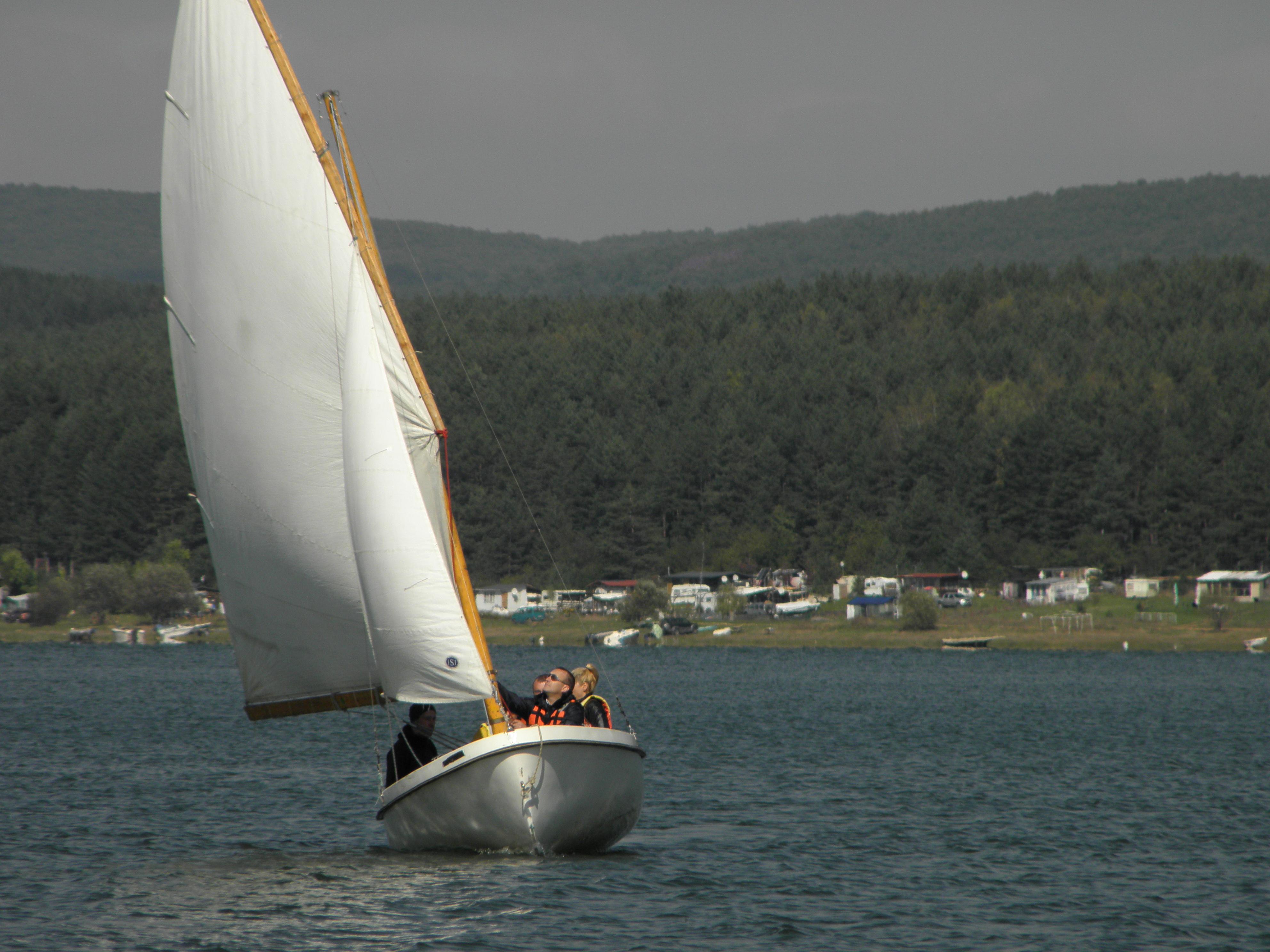 Ветроходна лодка Ял 6