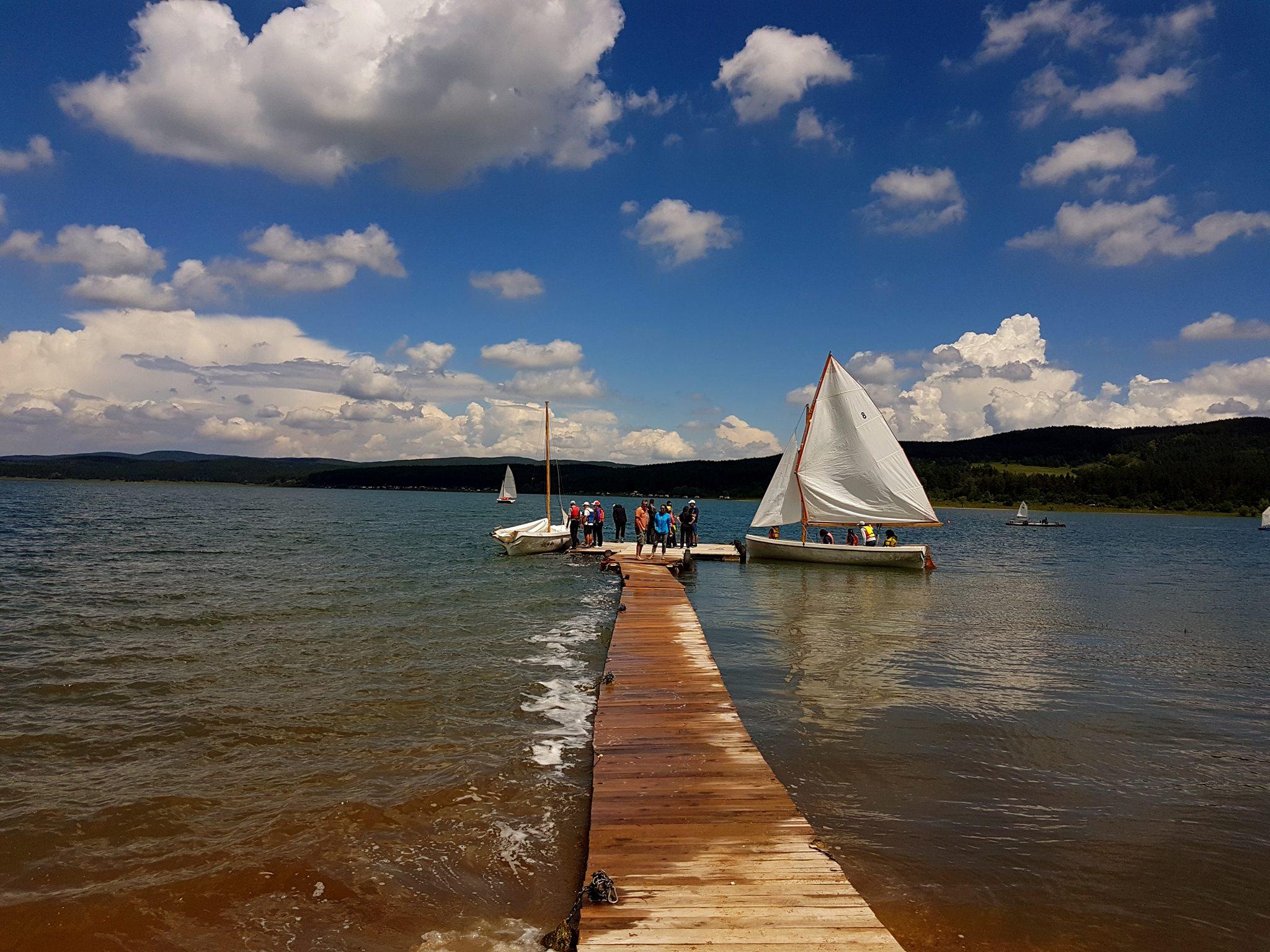 Искър - кей - лодки
