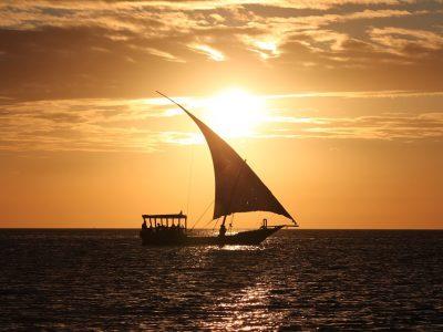 яхта - море