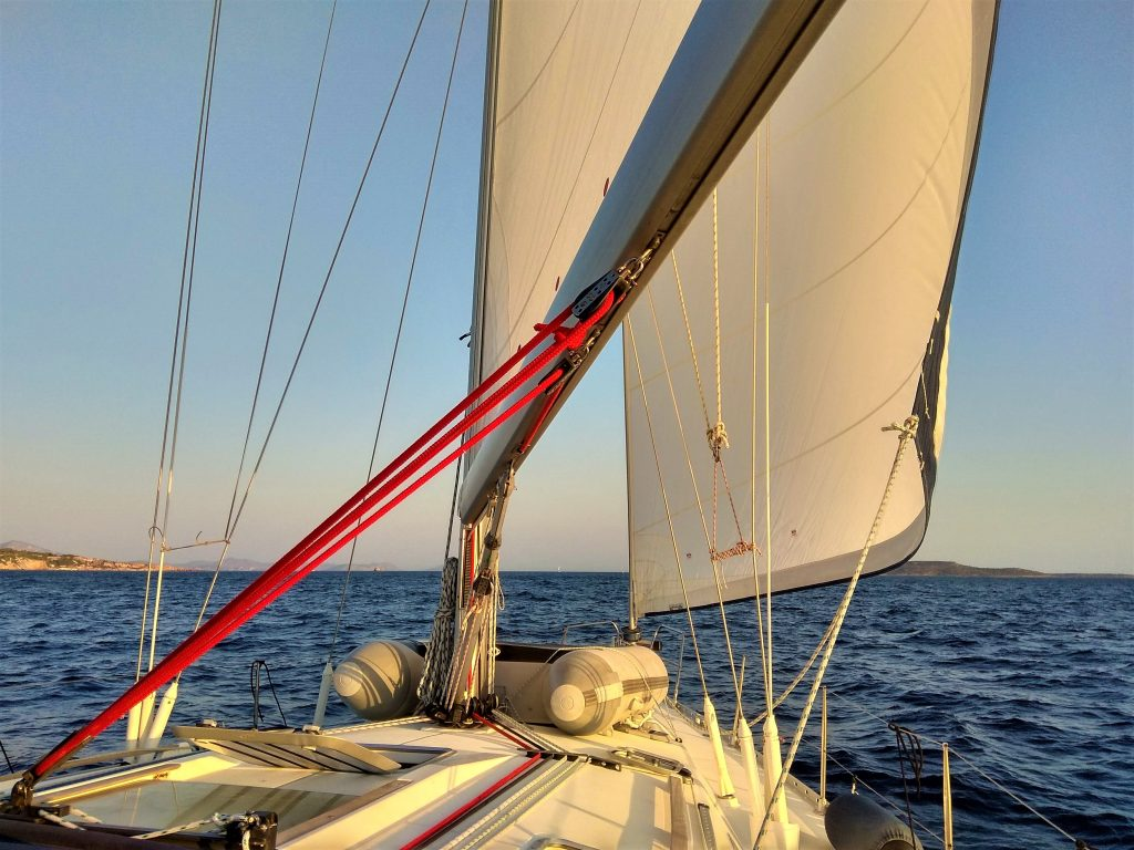 яхта - ветрила
